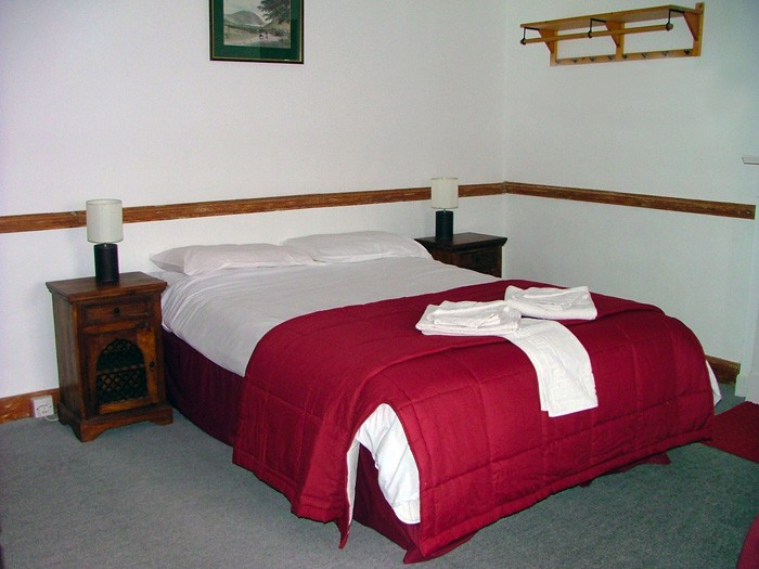 2._Guest_Room_1_-_Double_Bed_Shown