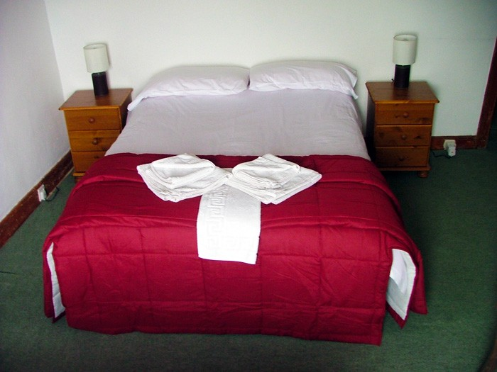 2._Guest_Room_2_-_Double_Bed_Shown